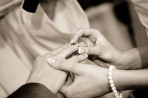 Co wyróżnia dobrego fotografa ślubnego?