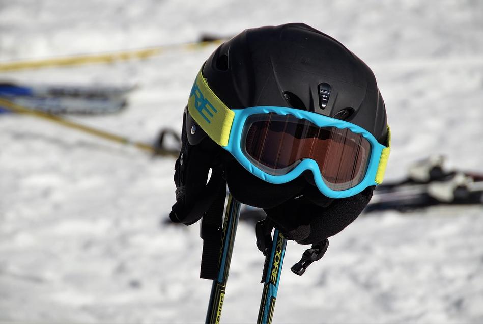 gogle i kask narciarski